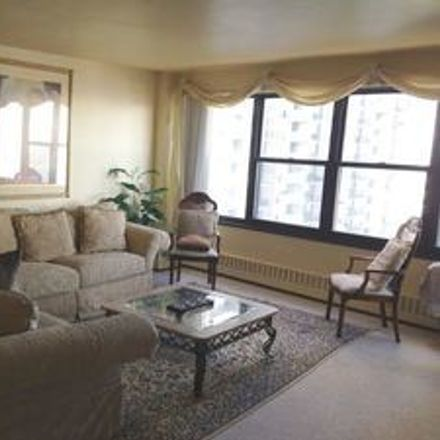 Rent this 1 bed townhouse on North Sheridan Road in Chicago, IL 60660