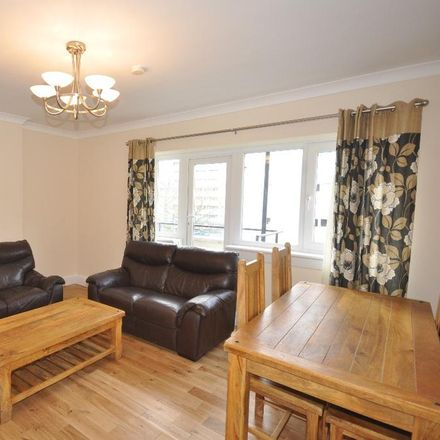 Rent this 3 bed apartment on Thornwood Road in Glasgow G11 7RA, United Kingdom