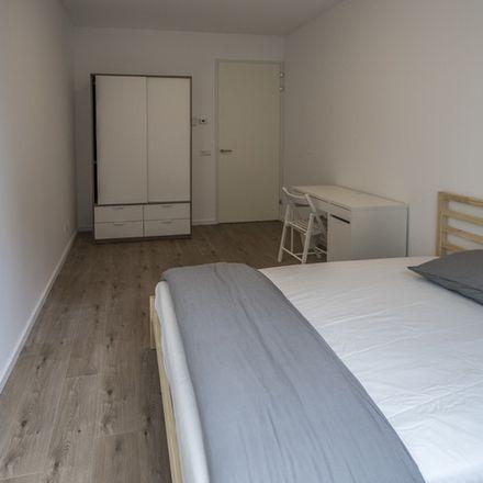 Rent this 3 bed room on Karel Appelhof 66 in 1112 XH Diemen, Países Bajos