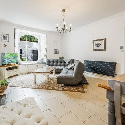 Rent this 2 bed apartment on 31A Royal Terrace in City of Edinburgh, EH7 5AB