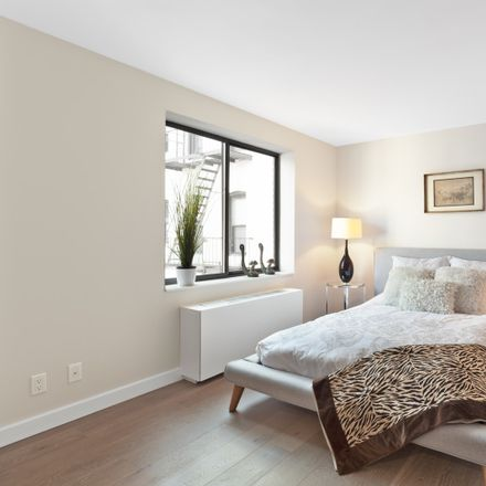 Rent this 2 bed condo on 423 95th Street in New York, NY 11209