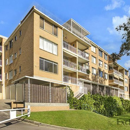 Rent this 2 bed apartment on 15/13 Bortfield Drive