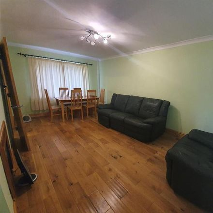 Rent this 3 bed house on Newcastle upon Tyne NE3 2QQ