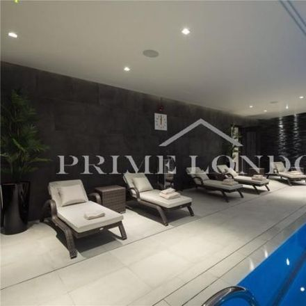 Rent this 3 bed apartment on Savoy House in Tweezers Alley, London WC2R 3LA
