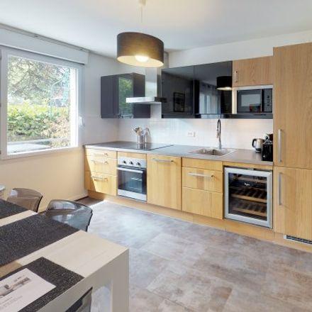 Rent this 2 bed apartment on 17 Impasse Désiré in 92320 Châtillon, France