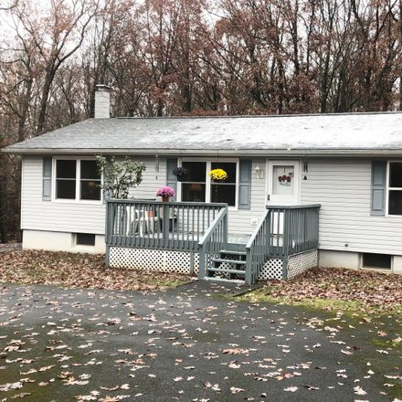 Rent this 3 bed house on Golden Eagle Ct in Milford, PA