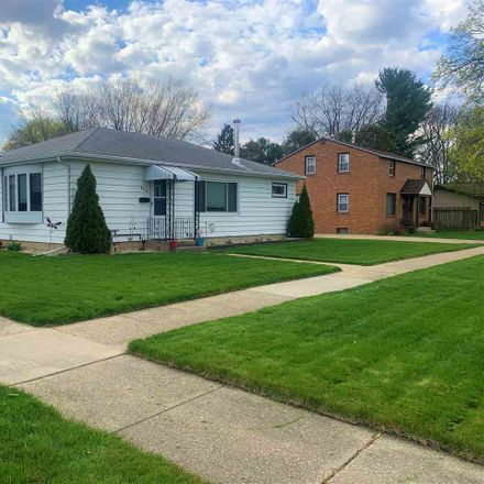 Rent this 3 bed house on 805 Miller Avenue in Janesville, WI 53548