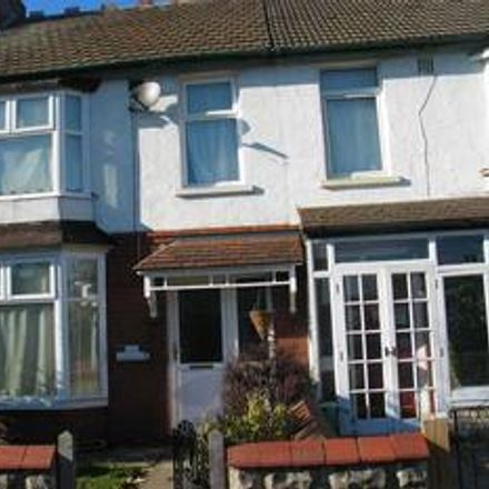 Rent this 3 bed house on Mitchell Cycles in 27 Shrivenham Road, Swindon SN1 2QA
