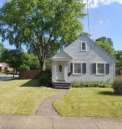 Rent this 3 bed house on 639 Reed Avenue in Akron, OH 44306