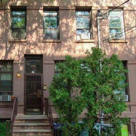 Rent this 2 bed condo on 9th St in Jersey City, NJ