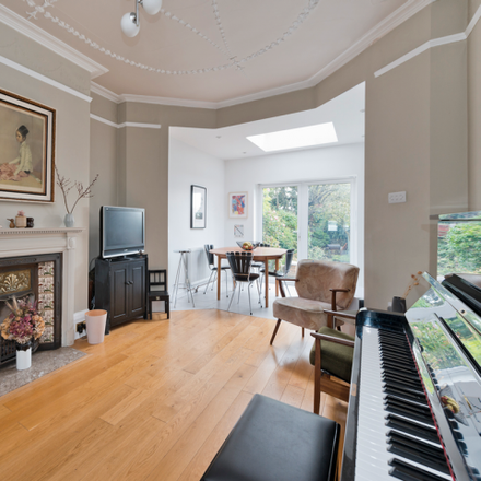 Rent this 3 bed house on Riverway in London N13 5JX, United Kingdom