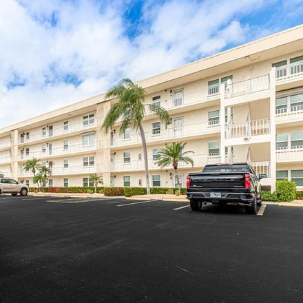 Rent this 2 bed condo on 6220 Augusta Dr in Fort Myers, FL