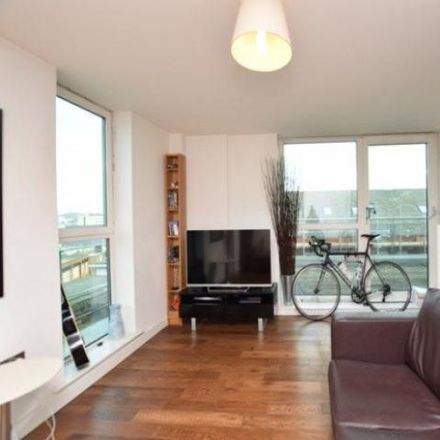 Rent this 2 bed apartment on Jet Centro in 79 Saint Mary's Road, Sheffield