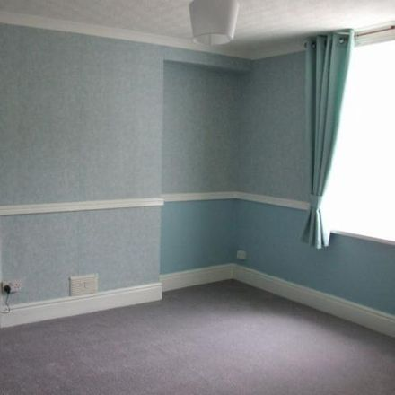 Rent this 3 bed house on Stryd Hopcyn in Port Talbot SA12 6HA, United Kingdom