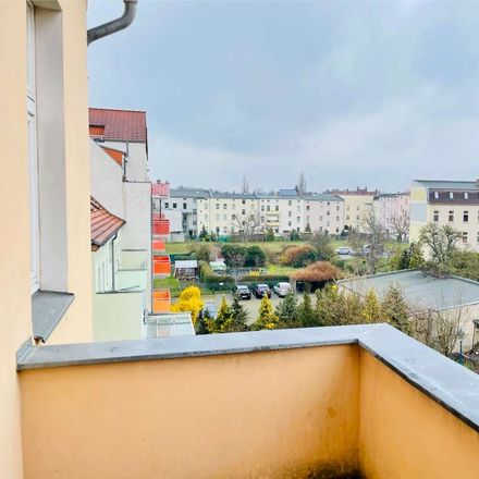 Rent this 3 bed apartment on Bahnhofstraße 87 in 03149 Forst (Lausitz) - Baršć, Germany