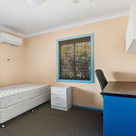 Rent this 1 bed house on 25 Stannett Street