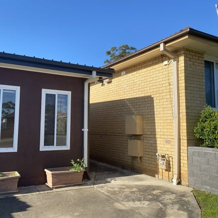Rent this 2 bed house on 7a Churchill Drive