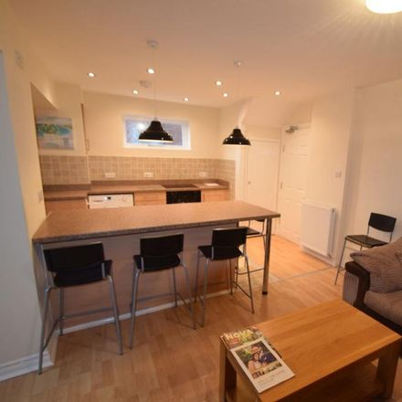 Rent this 5 bed house on Springfield Avenue in Church Aston TF10 7HW, United Kingdom