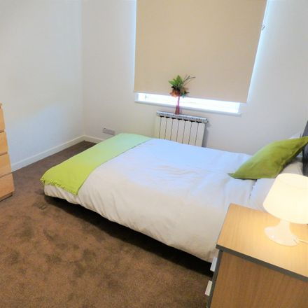 Rent this 7 bed room on St James Heights in Congleton Grove, London SE18 7HH