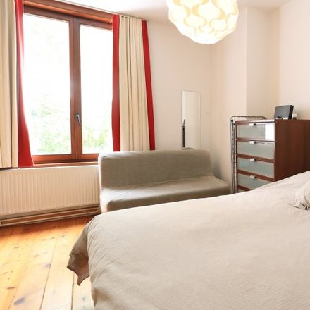 Rent this 1 bed apartment on Kápolna a Magyar Házban in Rue de l'Arbre Bénit - Gewijde-Boomstraat, 1000 Ixelles - Elsene