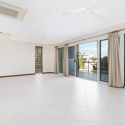 Rent this 3 bed apartment on 1/11 Vilaflor Cres