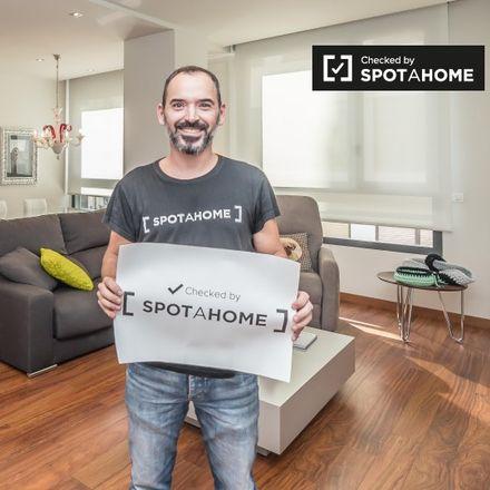 Rent this 2 bed apartment on Lauria 3 in Carrer de Roger de Llòria, 46002 Valencia
