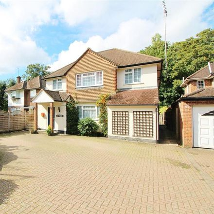 Rent this 5 bed house on Theobold Street in Hertsmere WD7 7LP, United Kingdom