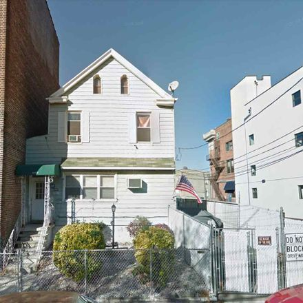 Rent this 5 bed duplex on 4603 Cottage Place in Union City, NJ 07087