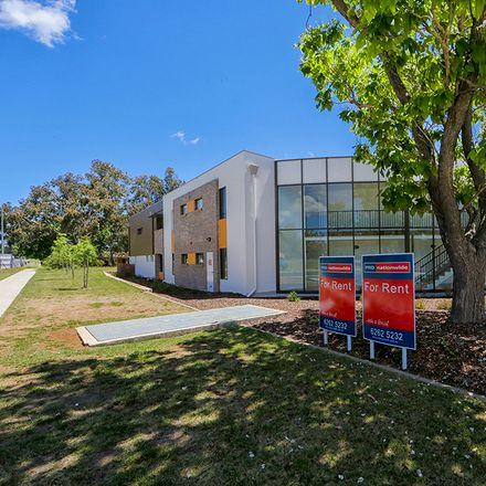 Rent this 2 bed townhouse on 56/39 Jerrabomberra Avenue