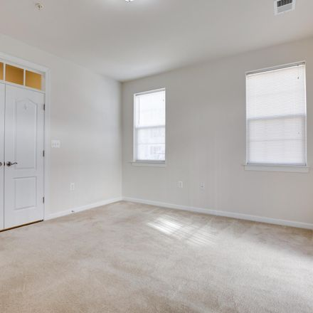 Rent this 3 bed townhouse on Manassas Dr in Manassas Park, VA