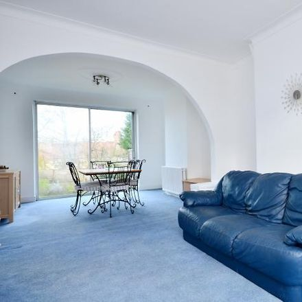Rent this 3 bed house on Bowes Park in Pevensey Avenue, London N11 2RB
