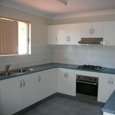 Rent this 2 bed house on 12/1 George Crescent