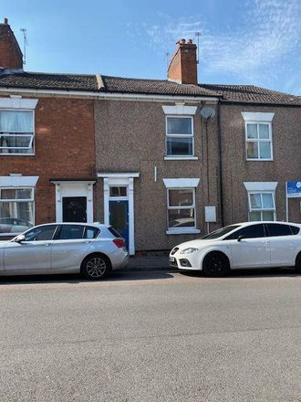 Rent this 3 bed house on Shahbagh Indian Takeaway in 28 Craven Street, Coventry CV5 8DU