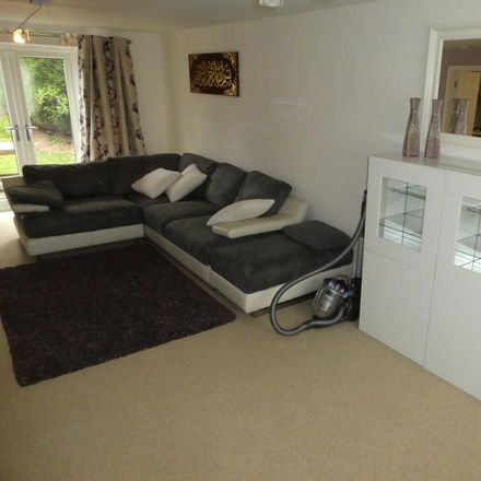 Rent this 3 bed house on Ashdale Drive in Stockport SK8 3SP, United Kingdom