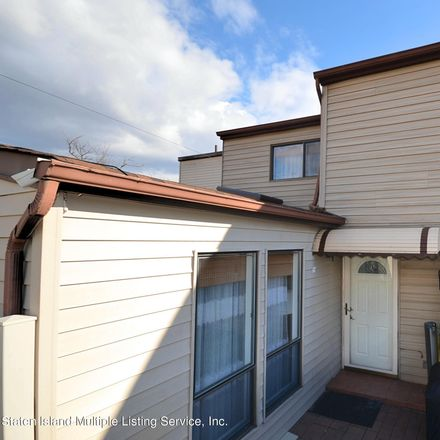 Rent this 2 bed townhouse on Willow Rd W in Staten Island, NY
