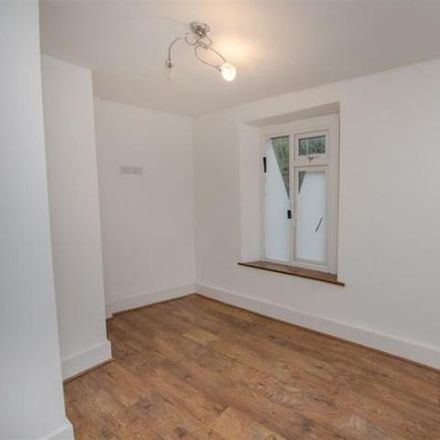 Rent this 6 bed house on Cowhorn Hill in Oldland Common BS30 8, United Kingdom