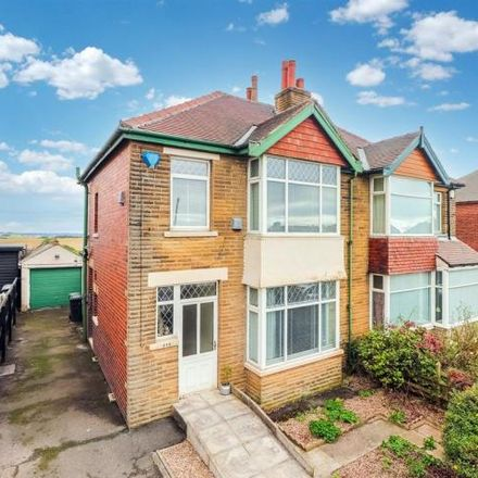 Rent this 3 bed house on Leeds Road in Dewsbury, WF12 7HP