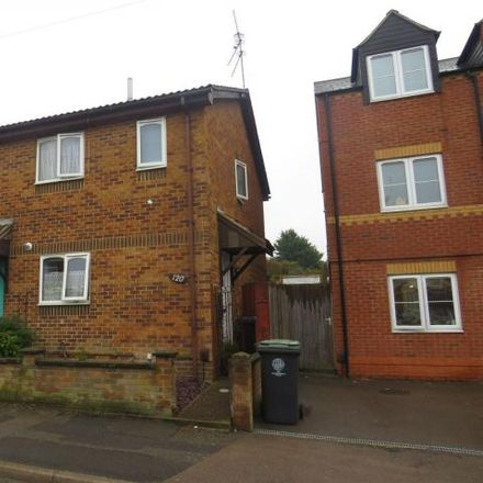 Rent this 2 bed house on Portland Road in Rushden, NN10 0DP