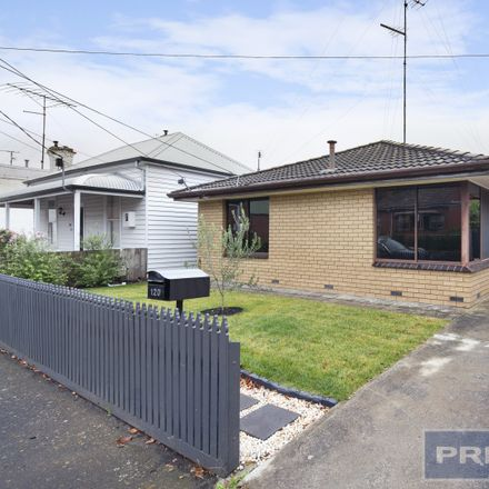 Rent this 3 bed house on 120 Lyons Street North