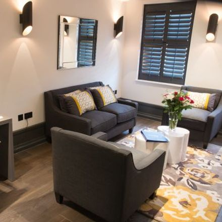 Rent this 1 bed apartment on Bella Italia in 70 St. Martin's Lane, London WC2N 4JS