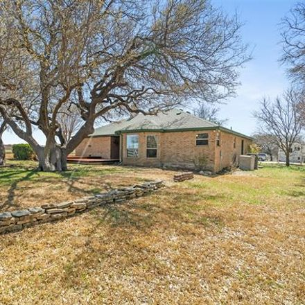 Rent this 3 bed house on Co Rd 189 in Brownwood, TX