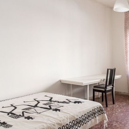 Rent this 3 bed room on Via Aurelia in 385, 00165 Rome RM