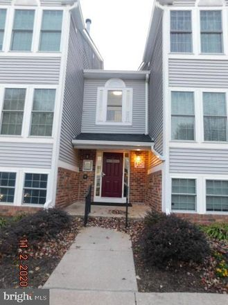 Rent this 2 bed condo on 1321 Greenbriar Circle in Pikesville, MD 21208