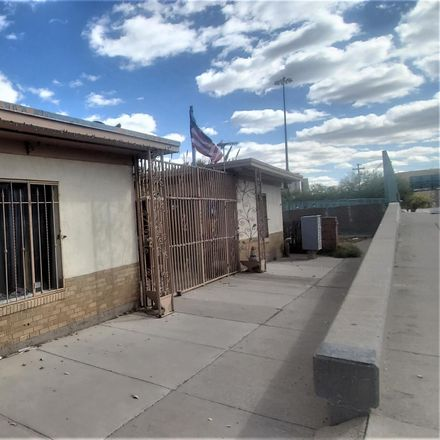 Rent this 1 bed apartment on 704 North Campbell Street in El Paso, TX 79902