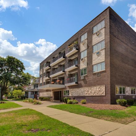 Rent this 2 bed condo on 401 South Grove Avenue in Oak Park, IL 60302