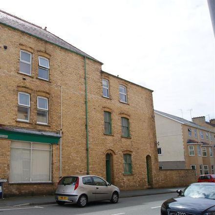 Rent this 2 bed apartment on Cardiff Road in Pwllheli LL53 5PG, United Kingdom