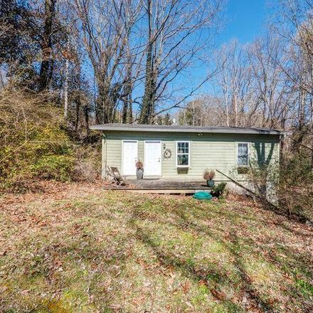Rent this 3 bed house on Lookout Mountain