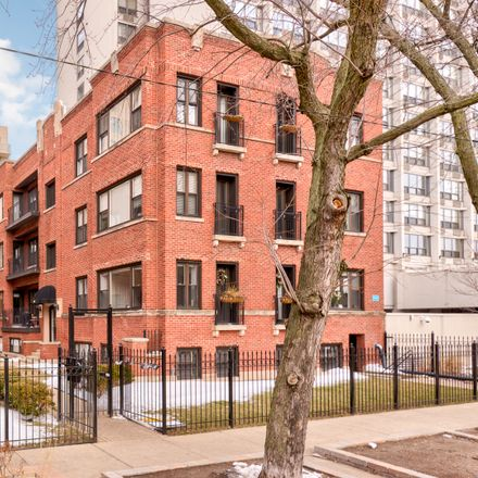 Rent this 1 bed condo on 904 West Winona Street in Chicago, IL 60640