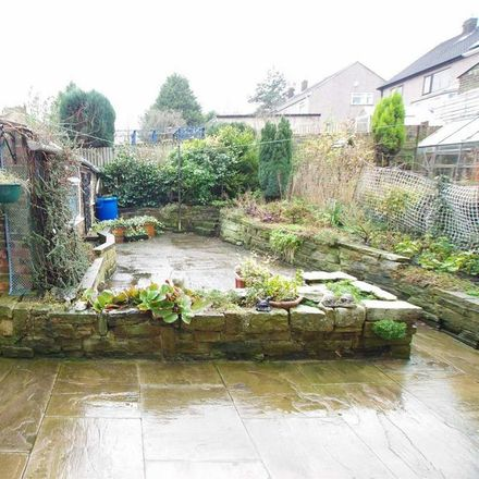 Rent this 3 bed house on Apperley Road in Bradford BD10 9SH, United Kingdom