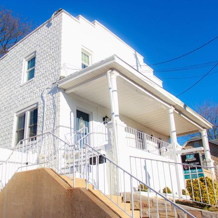 Rent this 3 bed townhouse on 4612 Moravia Road in Baltimore, MD 21206